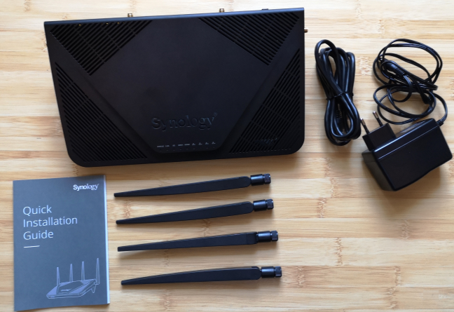 Unboxing the Synology RT2600ac wireless router