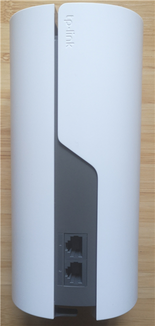 The ports on the back of the TP-Link Deco E4