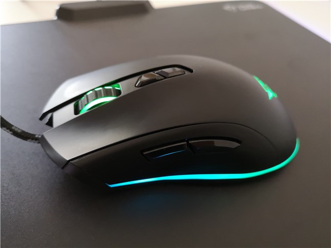 The side buttons found on the Trust GXT 900 Kudos gaming mouse