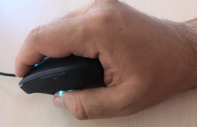 Holding the Trust GXT 144 Rexx vertical mouse
