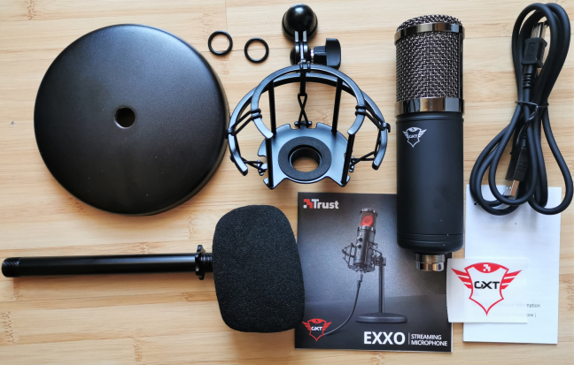 Unboxing the Trust GXT 256 Exxo