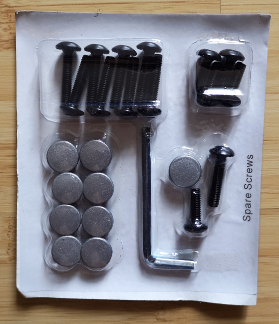 Trust GXT 705 Ryon - the screws and assembly accessories
