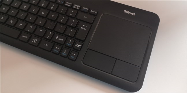 The touchpad and its buttons are large