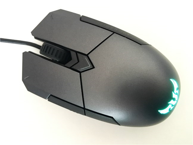 Bird view of the ASUS TUG Gaming M5 mouse