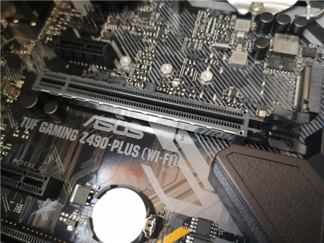 The PCI Express 3.0 x16 slot used for the graphics card
