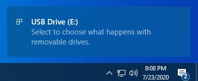 Windows 10 le pide que seleccione lo que sucede con las unidades extraíbles