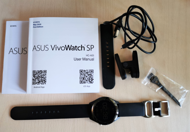 ASUS VivoWatch SP: What you find inside the box