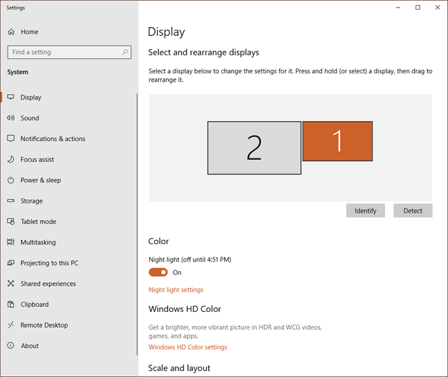 Screen resolution window with multiple monitors in Windows 10