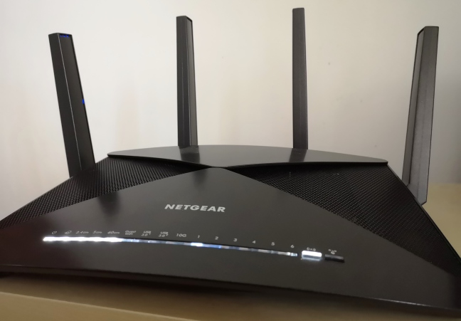 Netgear Nighthawk X10: A wireless router with support for 802.11ad