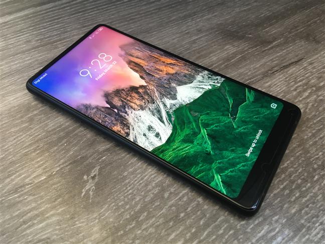 The bezel-less screen of the Xiaomi Mi Mix 2