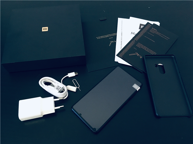 The contents of the Xiaomi Mi Mix 2 package