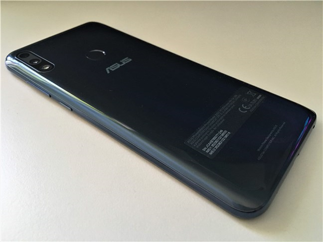 A view of the back of the ASUS ZenFone Max Pro (M2)