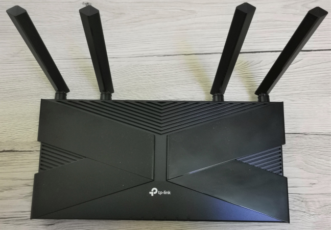 The antennas on the TP-Link Archer AX10