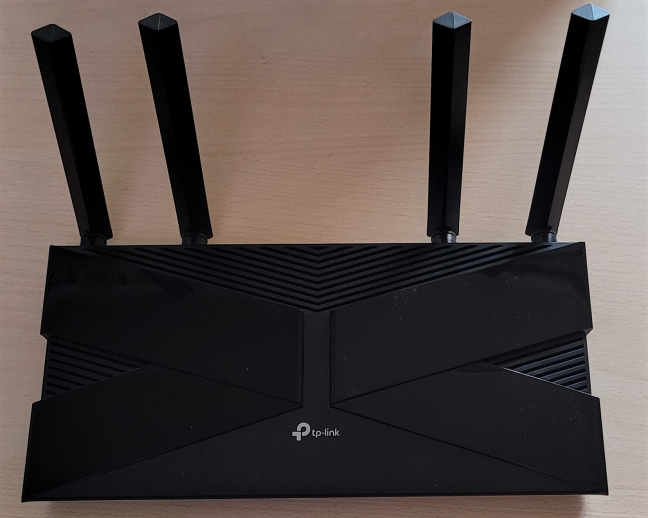 The antennas on the TP-Link Archer AX20