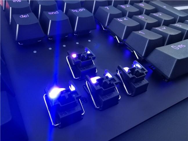 Razer Huntsman v2 Analog uses optical switches