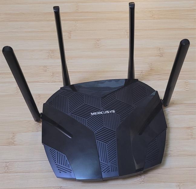 Mercusys MR70X has four non-detachable antennas
