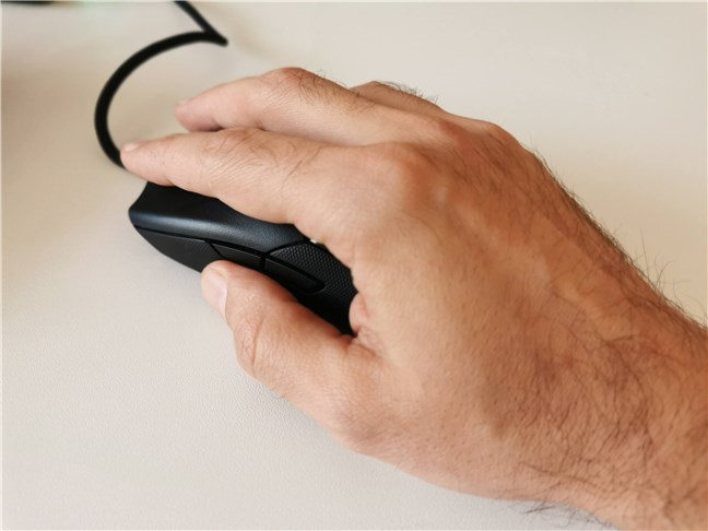 Using the Razer Viper 8KHz gaming mouse