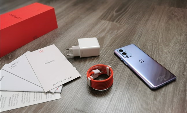 OnePlus 9: What's inside the box