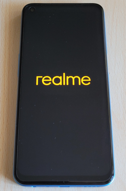 Turning on the realme 8 5G