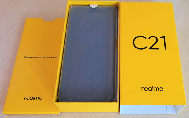 Unboxing the realme c21
