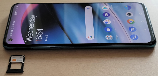 OnePlus Nord CE 5G has a 90 Hz AMOLED display