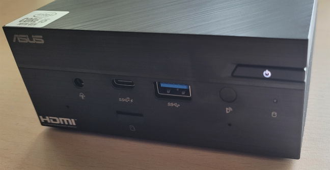 ASUS Mini PC PN62 doesn't gather a lot of dust and fingerprints