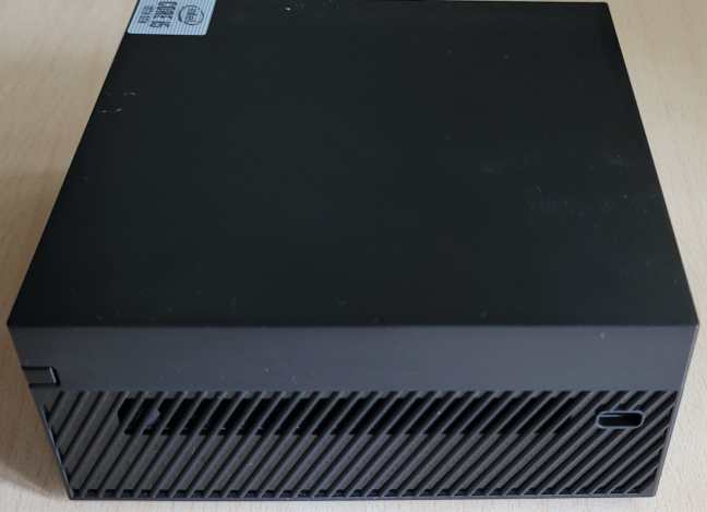 The right side of ASUS Mini PC PN62