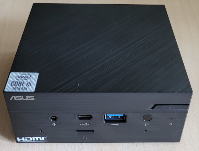 ASUS Mini PC PN62 works with Wi-Fi 6