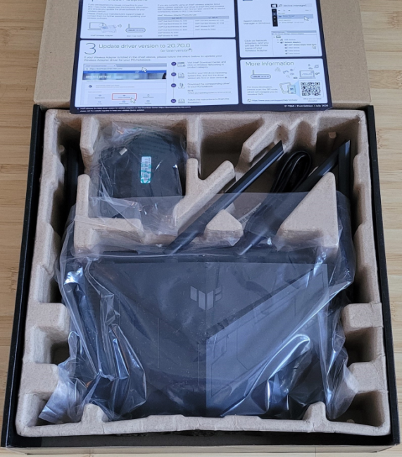 Unboxing the ASUS TUF-AX5400