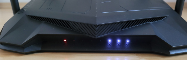 The LEDs on the front are below the ventilation grid