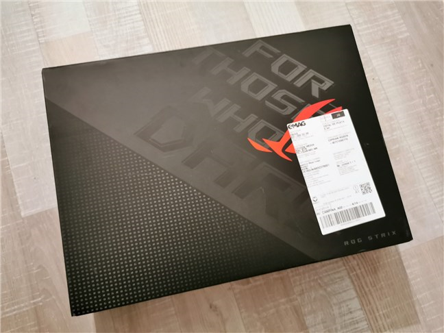 The packaging used for ASUS ROG Strix G17
