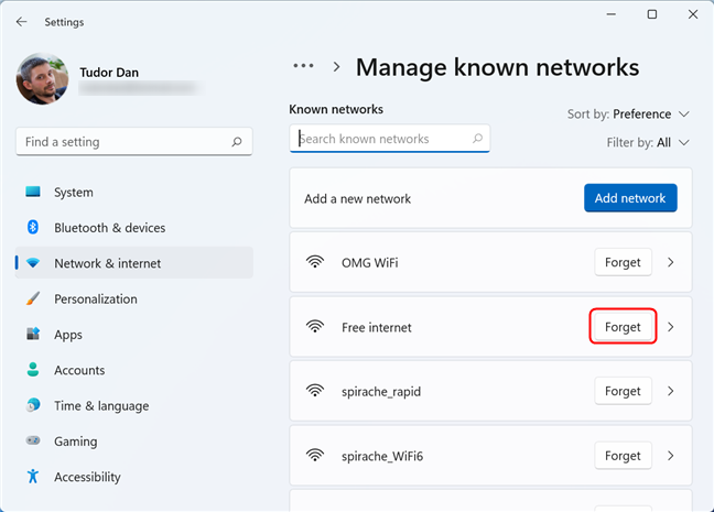 Deleting a saved Wi-Fi network in Windows 11