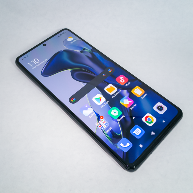 The screen fitted on the Xiaomi 11T is excellent