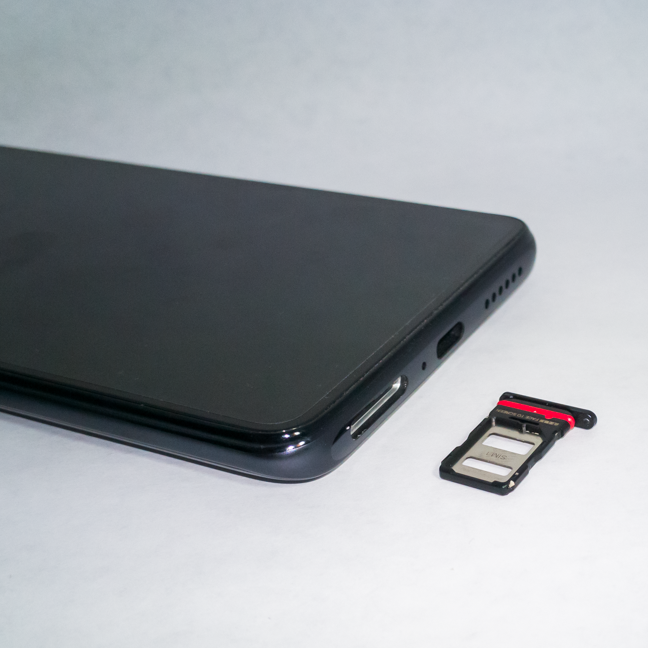 The dual SIM tray of the Xiaomi 11T